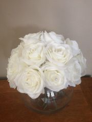 BEAUTIFUL LARGE ICE WHITE ROSE CLUSTER & DIAMANTE DECORATIONS IN GLASS FISH BOWL WITH WATER