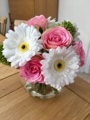 PINK & IVORY ROSE, GERBERA & ALLIUM IN GLASS BOWL WITH FAUX WATER