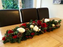 DELUXE HANDMADE EXTRA LARGE 4 FT RED IVORY GOLD SILK ROSE CHRISTMAS TABLE ARRANGEMENT