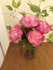 SHABBY CHIC PINK PEONY ARTIFICIAL FLOWER ARRANGEMENT & WATER IN RETRO GLASS VASE