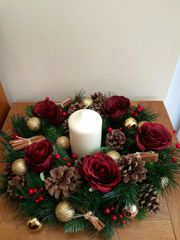 LUXURY HANDMADE 16 INCH RED GOLD TABLE WREATH ARRANGEMENT WITH CANDLE - SILK ROSES, CONES, CINNAMON & BAUBLES