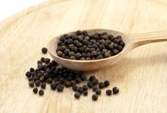 Peppercorns Black