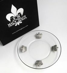 Appetizer plates accented with pewter crowns
