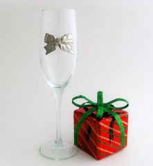 Flute Glass with Pewter Bow