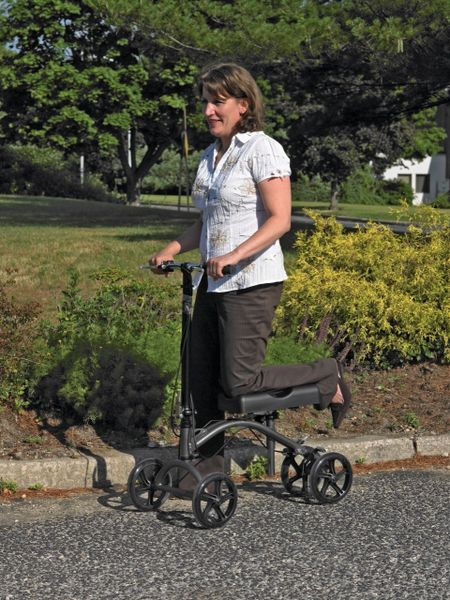 Steerable Knee Walker - 790