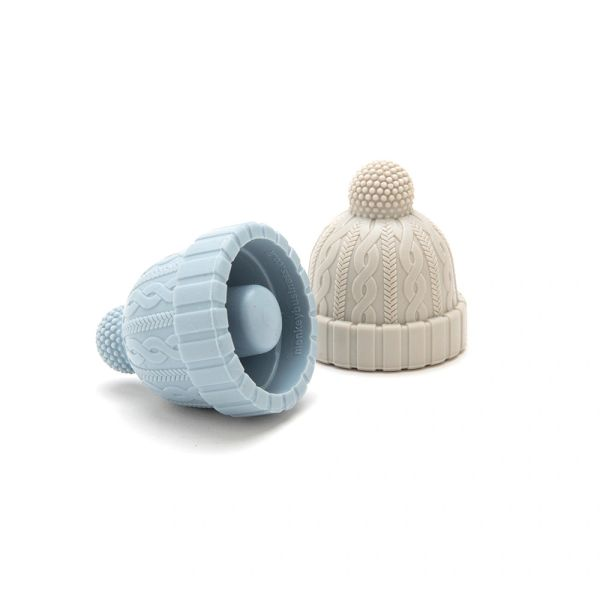 Beanie-bottle stopper