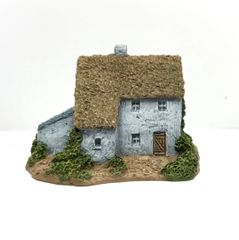 (6mm) Thatched Farmhouse