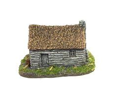 (6mm) 3 x Thatched Timber Shacks (6B015)