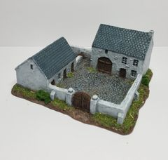 Enclosed Farmhouse & Stables (6mm ready painted)