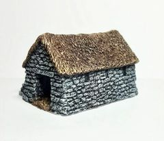 (10mm) Thatched Cattle Byre (10B013)