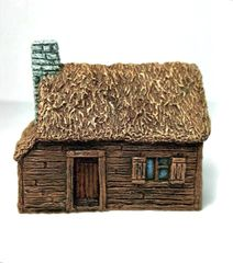 (10mm) Thatched Timber-clad Cottage (10B003)