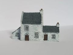 (Ready Painted) 6mm European Rural House with Annexe