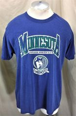 Vintage 90 s Champion Minnesota Timberwolves (XL) Retro Graphic NBA  Basketball T-Shirt f8d0140f0
