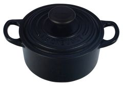 1qt. Signature Round Dutch Oven - Matte Black