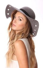 GREY HEART FLOPPY HAT WITH RIBBON TRIM