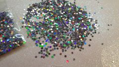IN27 Holographic Silver .078 Dots, Glitter Insert (1.5 gr baggie)