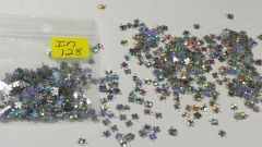 IN128 Holographic Silver Clover Insert (1.5 gr baggie)