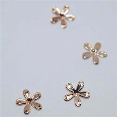 3D Rose Gold Small flowers (pack of 4)