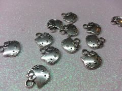 3D Hello Kitty #4 Metal Hello Kitty Head Decorations (pack of 2)