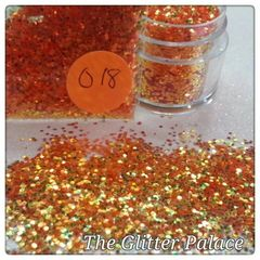 O18 Mimosa Gold (.040) Solvent Resistant Glitter
