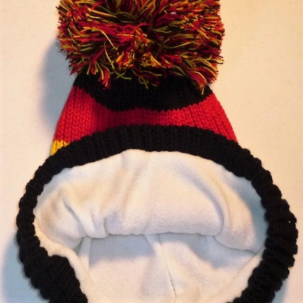97c102eb034 To Spain And Black -Black Red And Yellow Fleece Bobble Hat Beanie ...