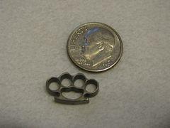 Micro Brass Knuckles - Titanium