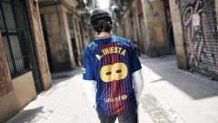 BAR 8#A. INIESTA Commemorative Edition soccer jersey