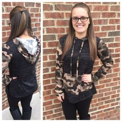 Camo Pocket Hooded Pullover