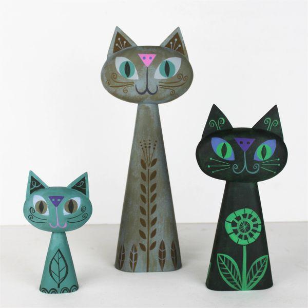 cat bust trio