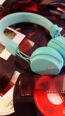 Polaroid HD Foldable Headphones w/ in-line Mic