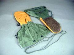 Sage Green Flyer's Mitten Set | Medium