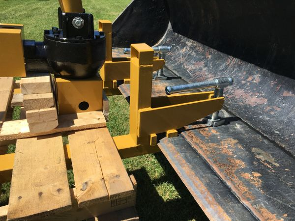 Clamp To Bucket Pallet Forks For Tractor Or Skid Steer