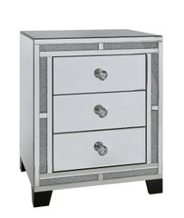 Beautiful crystal crackle & mirror 3 drawer bedside cabinet