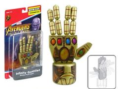 Marvel Avengers Infinity Thanos Gauntlet SDCC EE Exclusive Wooden Push Puppet