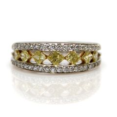 Peter Storm Yellow and White Diamond Ring
