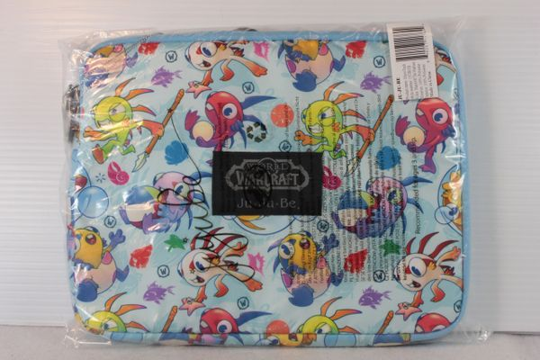 Ju-Ju-Be x Blizzard Micro Tech Laptop Case in March of the Murlocs - PLACEMENT B