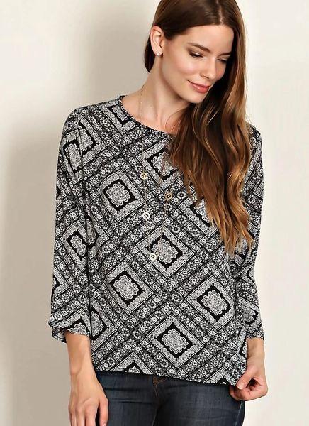 Gabrielle Geo Print Scoop Neck Top- Black/White