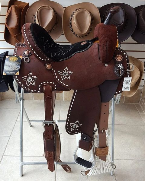 Brittany Pozzi Barrel Racer Saddle Flowers