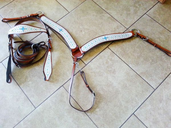 BRAND NEW COWHIDE FULL TACK SET