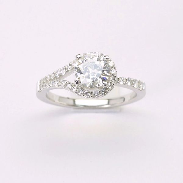 18K W/G Diamond Engagement Ring