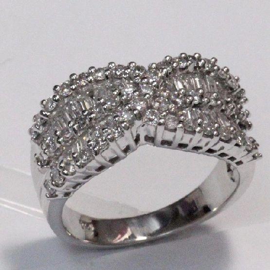 18K W/G Diamond Ring