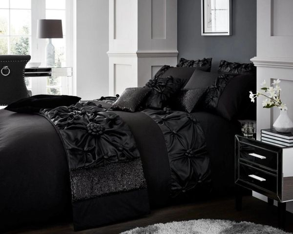 Vienna black duvet cover
