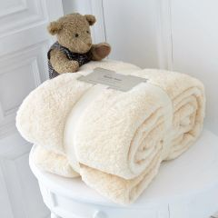 Teddy fleece plain cream throw