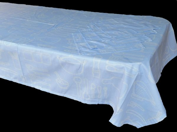 Utensils blue & white rectangle table cloth & napkin set