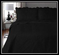 Arcade black 3 piece bedspread