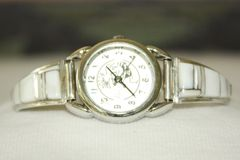 Mother-of-Pearl Ladies Watch - W126