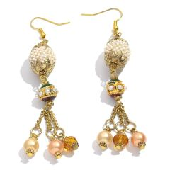 SEED BEADS, PEARLS, GLASS BEADS EARRINGS IN GOLDTONE.