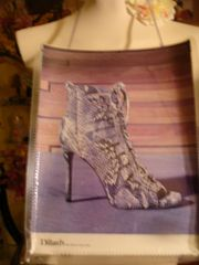 The Styles of Life Shoe Magazine Purse