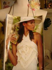 Stylish Birdal Fashion Magazine Purse