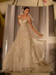 Illusion Bridal Fashion Magazine Purse